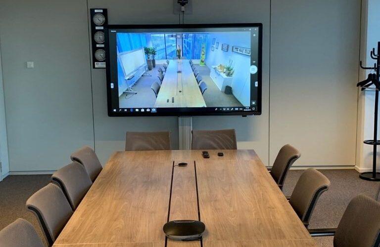 Digi Consult clevertouch ledscreens realisatie in meetingroom