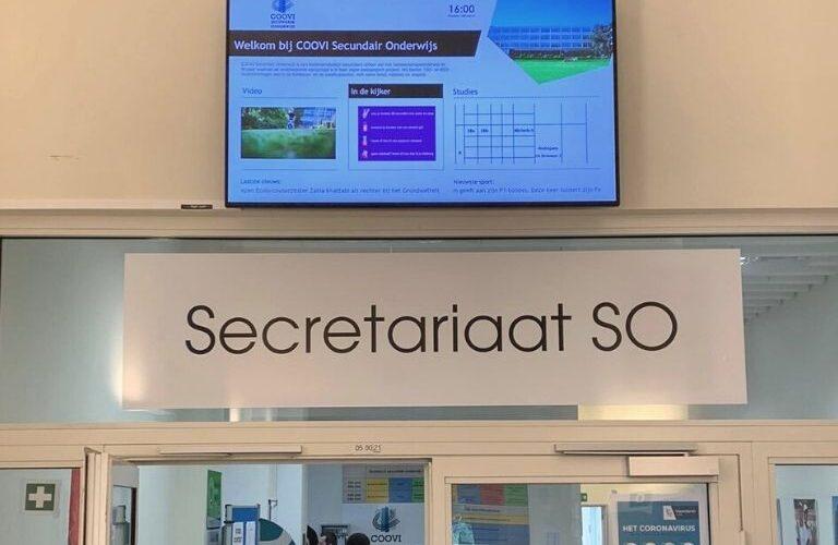 Digi Consult digital signage in school