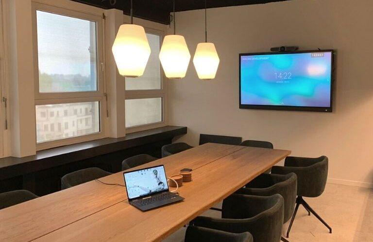 Digi Consult interactief clevertouch scherm in vergaderruimte