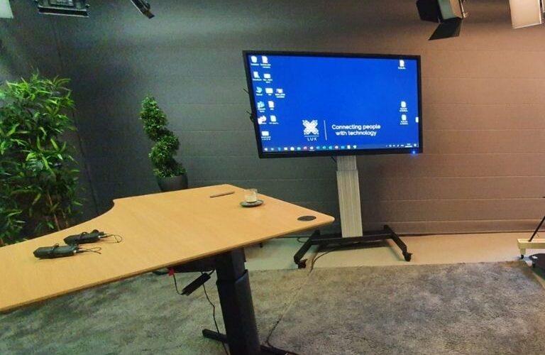 Digi Consult interactief clevertouch scherm in studio realisatie